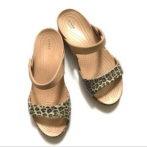 Crocs women's sandals size 6 excellent condition